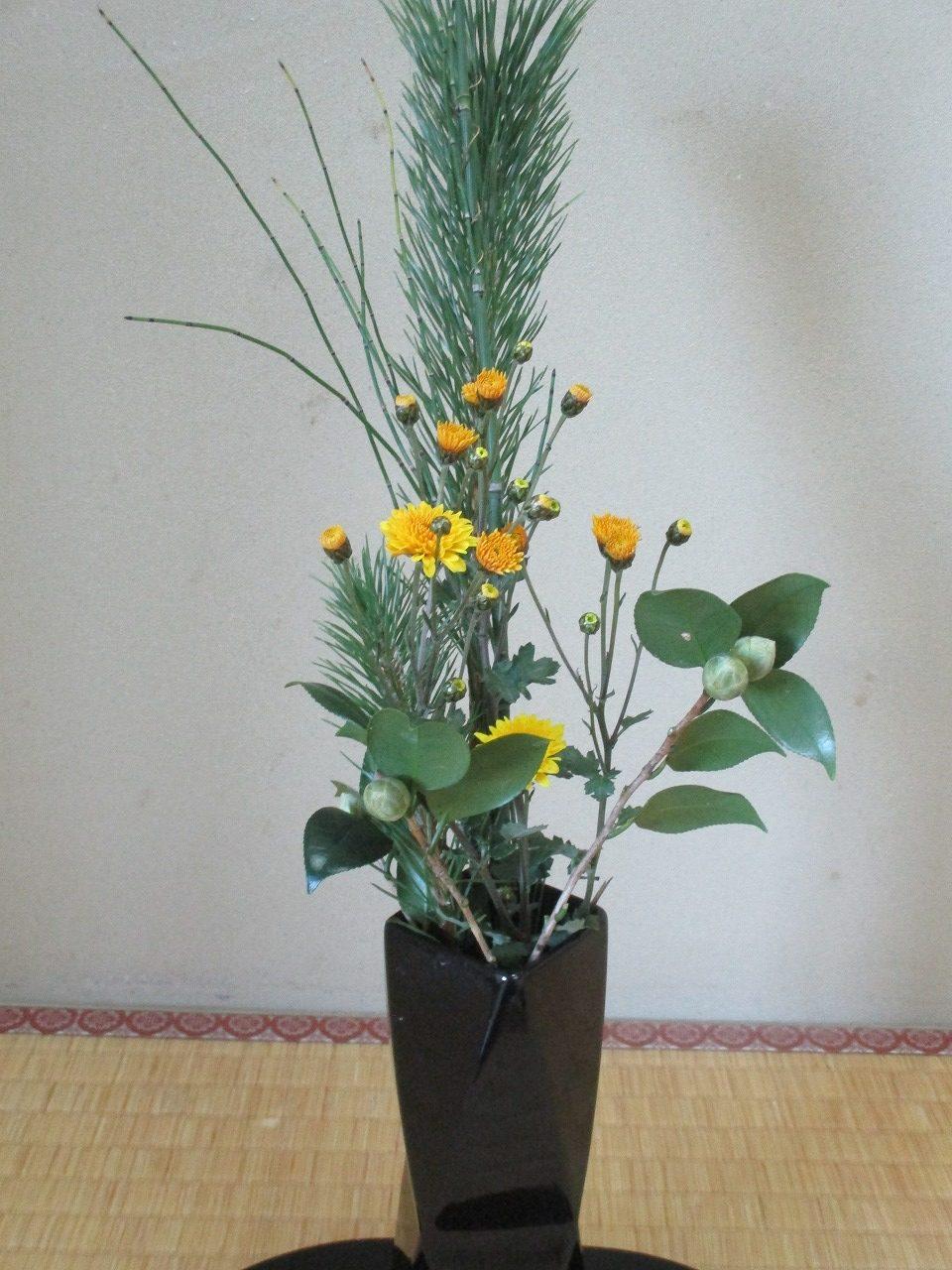 1月8日にいけた生け花です。706にていけてあります。