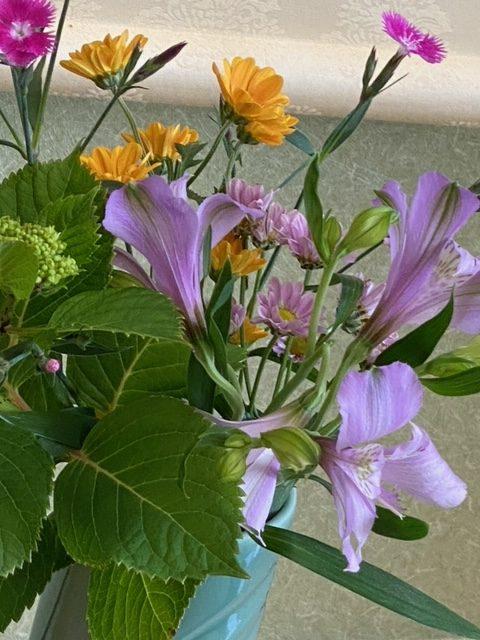 アップにした生け花です(^▽^)/